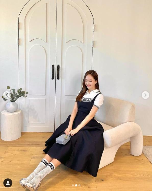 제시카, D사 명품으로 치장한 얼음공주의 상큼한 미소[TEN★]
