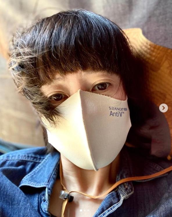 김혜수, 마스크로 가리면 눈만 보이는 소두인증[TEN★]