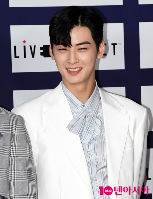 [TEN 포토] 아스트로 차은우 '얼굴천재 꽃미소'(드림콘서트)