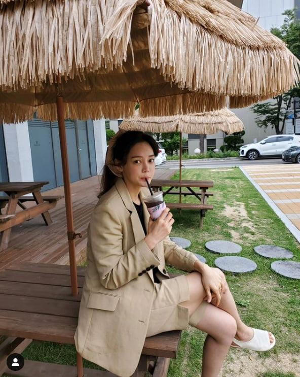 '라이머♥' 안현모, 커피 마실때도 빛나는 '서울대 미녀'[TEN★]