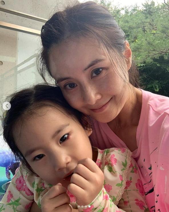 """'이랜드 며느리' 최정윤, 딸과 함께 친정에서 휴식...""""행복,감사""""[TEN★]"""