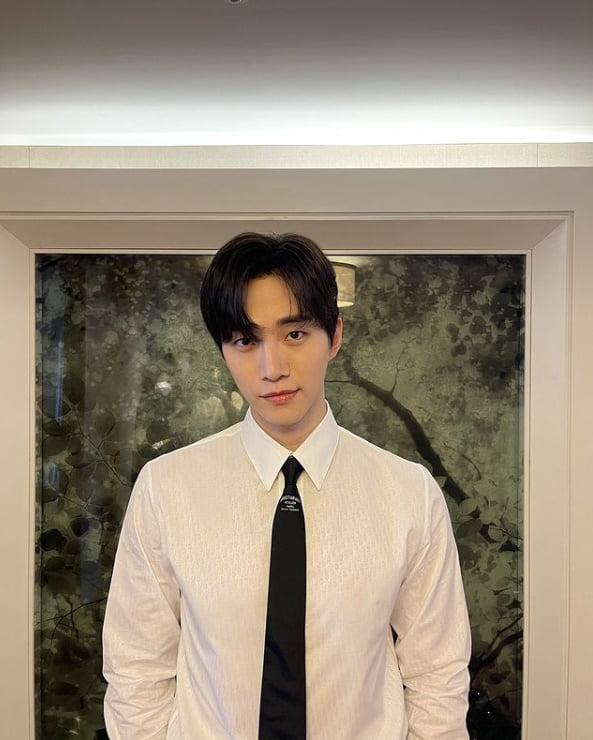 '댄디 섹시' 2PM 준호, 편안한 남사친美 발산[TEN★]