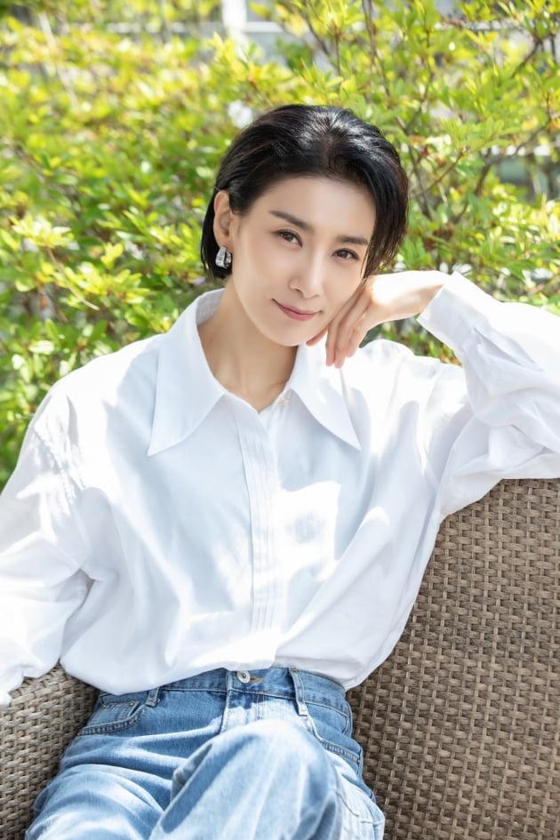 tvN 토일드라마 '마인'에서 효원그룹 첫째 며느리 정서현 역으로 열연한 배우 김서형. /사진제공=키이스트