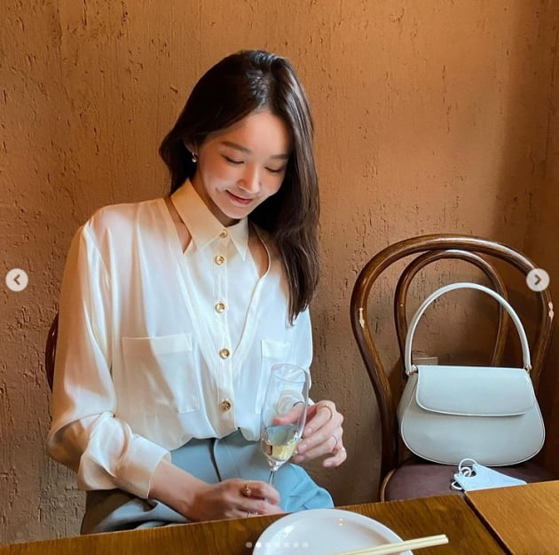 강민경, 사복의 여신 '꾸안꾸' 패션의 정석[TEN★]