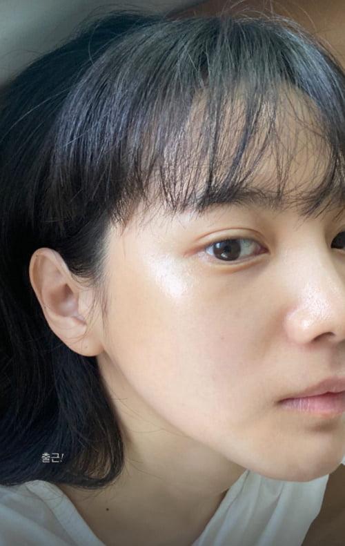 윤승아, 초근접 셀카에도 빛나는 도자기 피부...♥김무열 반하겠네[TEN★]