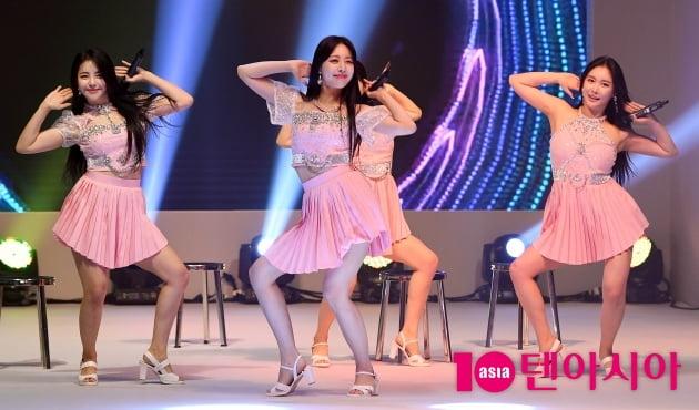 [TEN 포토] 브레이브걸스 '신나는 가오리춤'