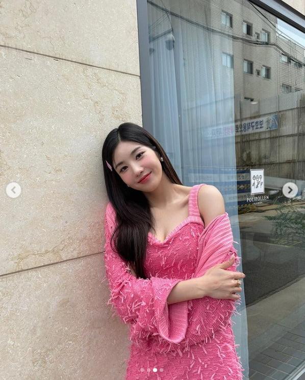 아이즈원 출신 권은비, 핑크빛 섹시함[TEN★]