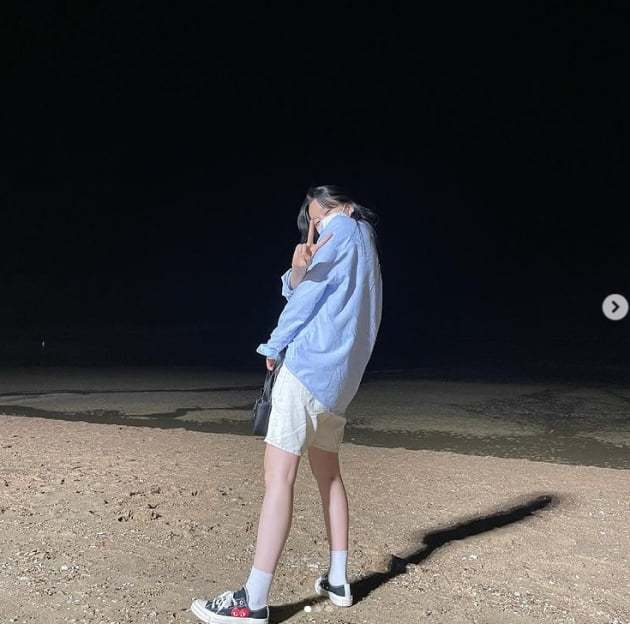 박유나, 한여름에 입는 남방과 반바지 사이로 나타난 쭉 뻗은 각선미[TEN★]