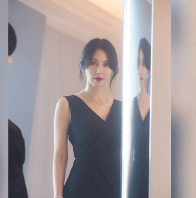 김소연, 천서진 벗고 과감한 속옷 노출 [TEN★]
