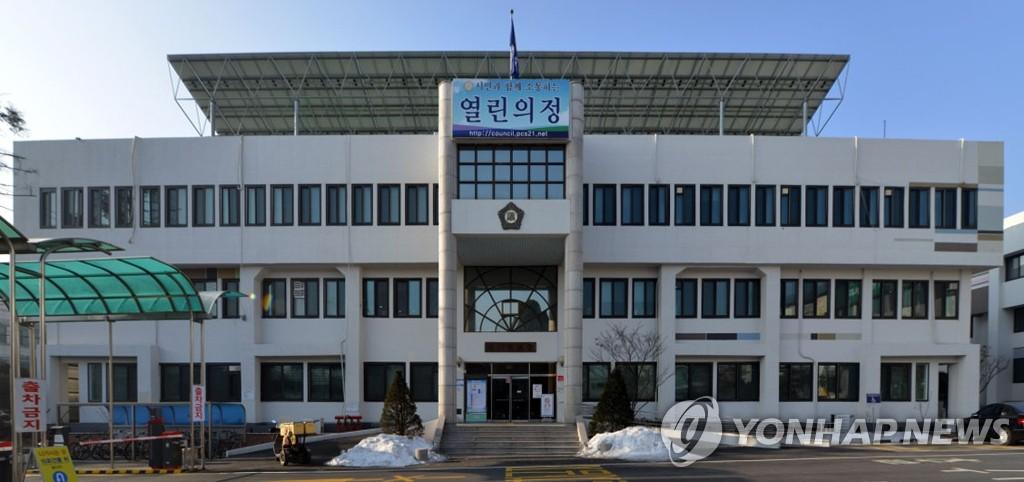 포천시의회, 손세화 의장 불신임안 가결 '내홍'