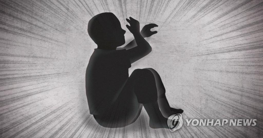 """""""버릇없다"""" 5살 남아 숨지게 한 계부, 징역 12년 확정"""