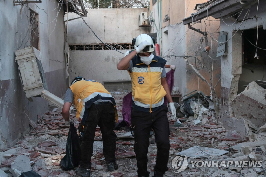 """""""시리아 반군 지역 병원 포격당해…의사 등 최소 18명 사망"""""""