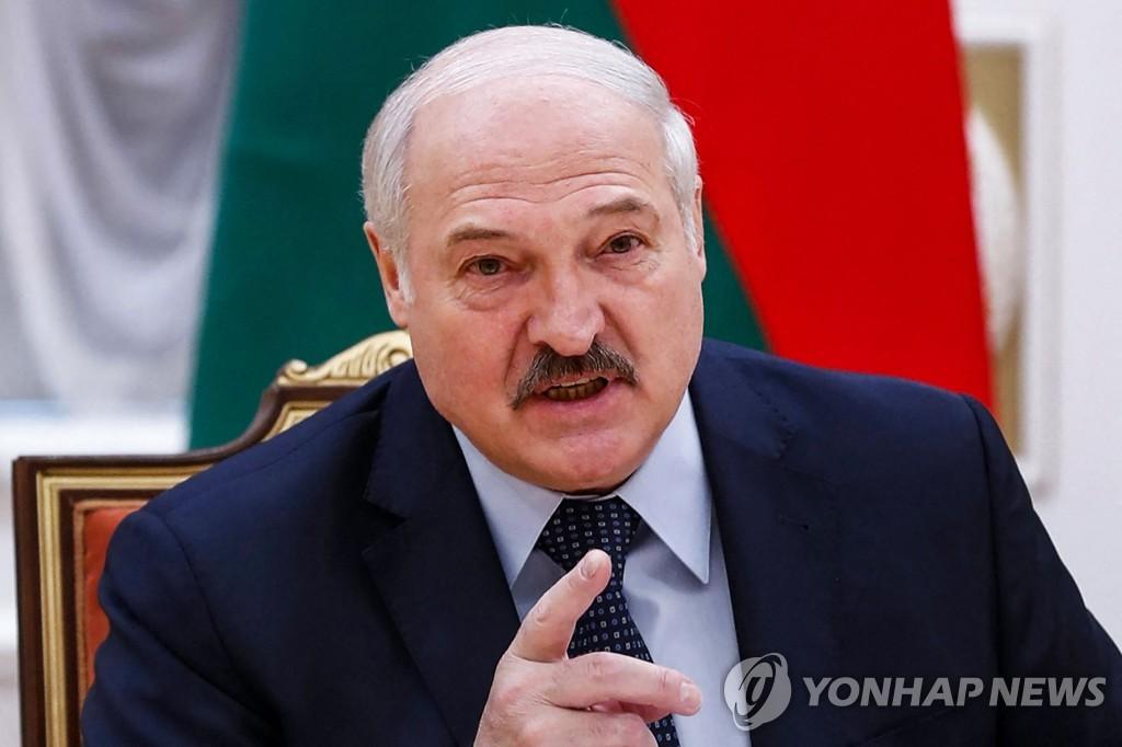 미·EU·영국·캐나다, '여객기 강제 착륙' 벨라루스 동시 제재