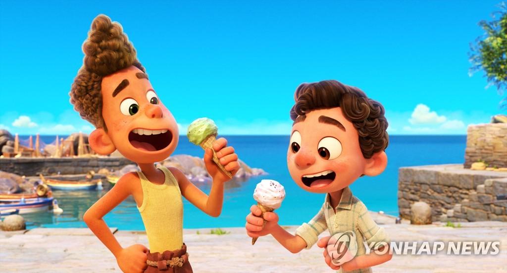 어린시절 소환하는 해변의 특별한 세 친구…애니 '루카'