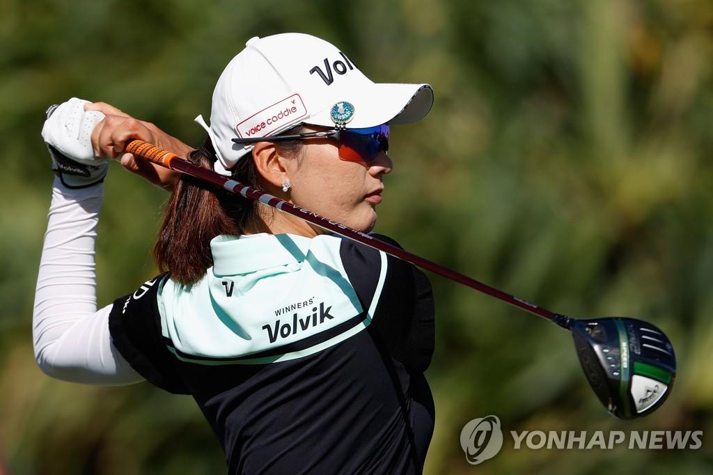 """최운정, 마이어LPGA 첫날 공동 7위…""""공격적으로 치겠다""""(종합)"""