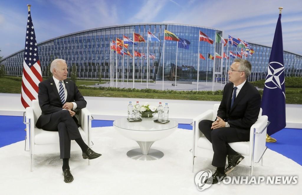 """바이든, 나토 집단방위 원칙 재확인…""""중국은 새로운 도전"""""""