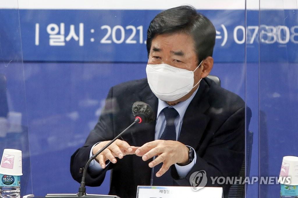 """與 부동산특위 """"세금 낮추고 중도층 잡아야 대선 승리"""""""