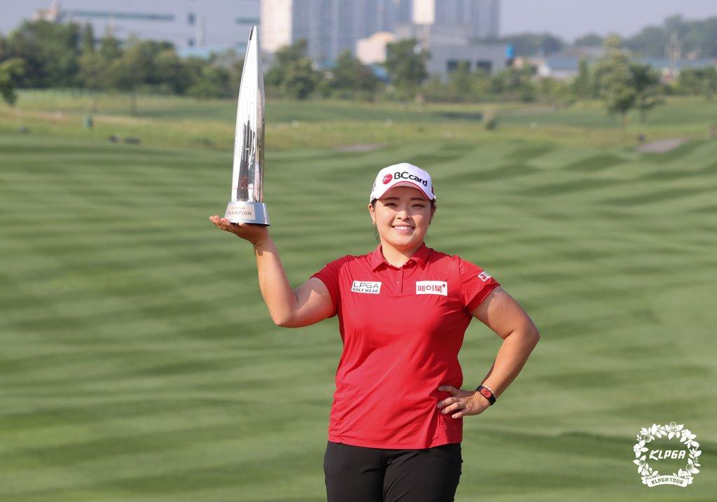 KLPGA 투어 통산 14승 장하나, 여자 골프 세계 랭킹 20위