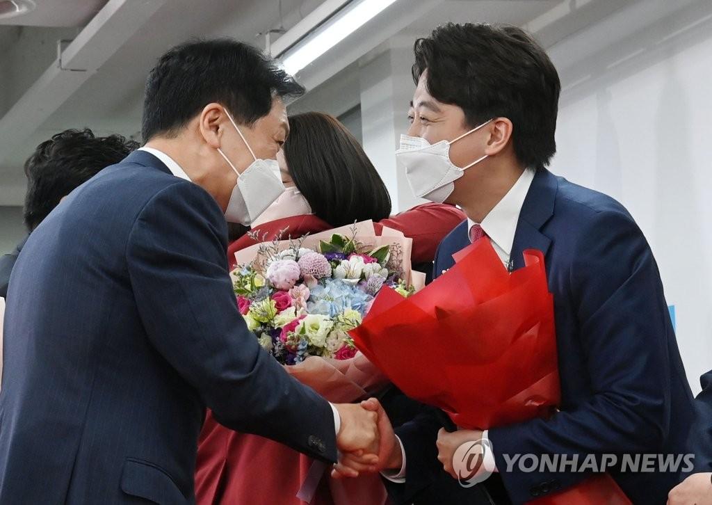 """이준석에 바통넘긴 김기현…""""맛있는 비빔밥 만들겠다"""""""