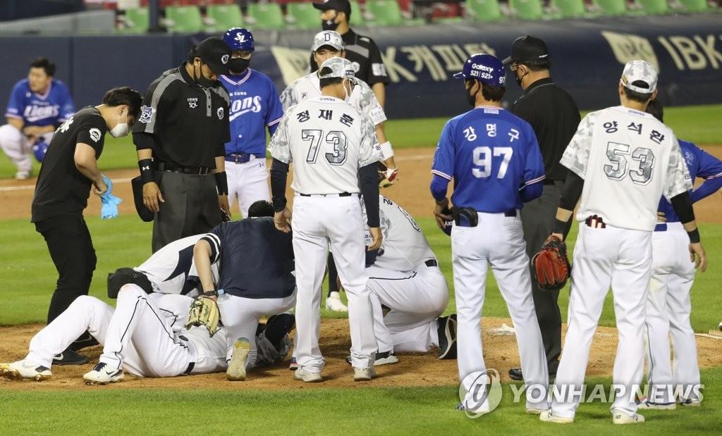 삼성 김대우·두산 유재유, 타구에 맞아 병원 이송(종합)