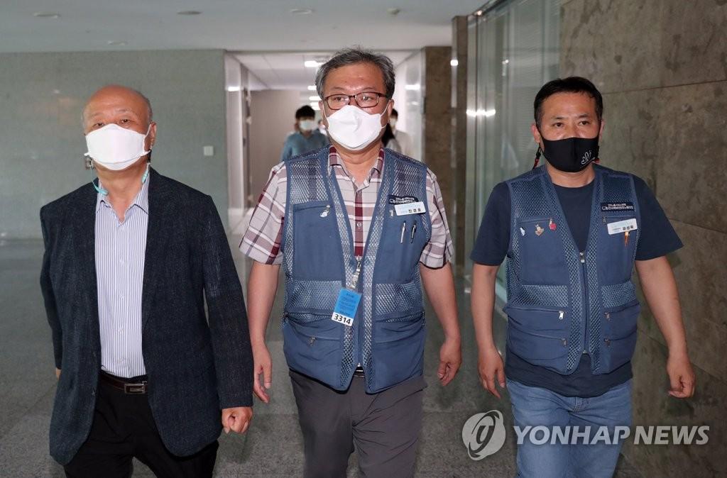 """택배노사 잠정 합의에 택배사 안도…""""배송 정상화 기대"""""""