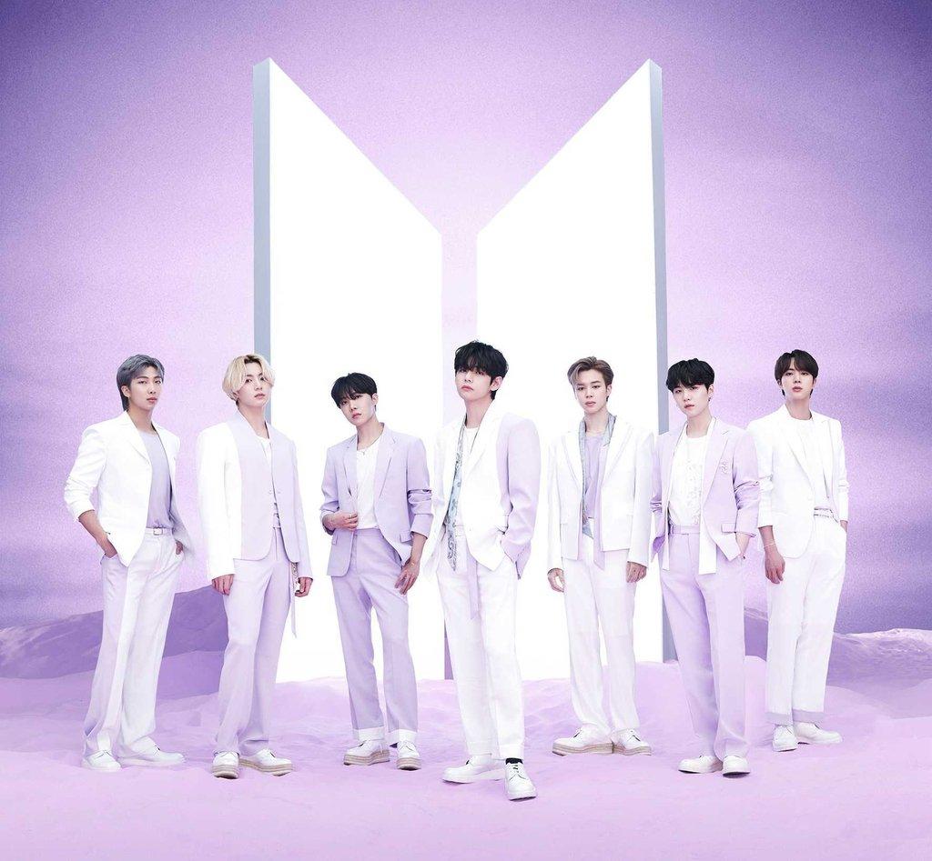 BTS, 일본 오리콘 주간 차트 3관왕…역대 4번째 기록