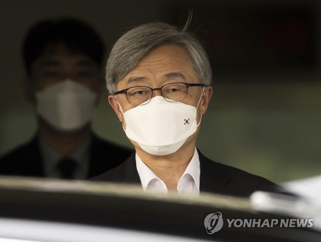 野 대권주자로 거듭나는 尹·崔…정치 참여 일성은