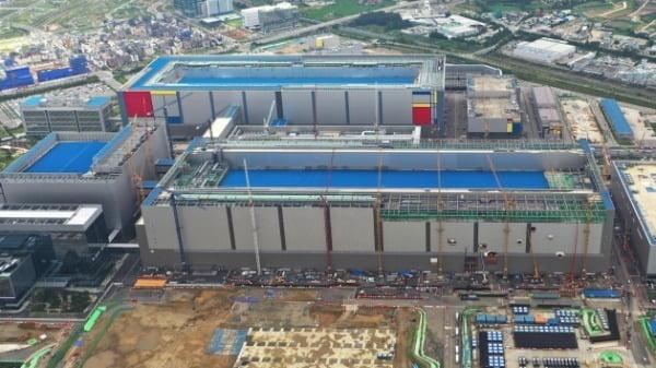 삼성전자 3nm 파운드리 공정이 들어설 가능성이 큰 평택 반도체 공장 전경. 한경DB