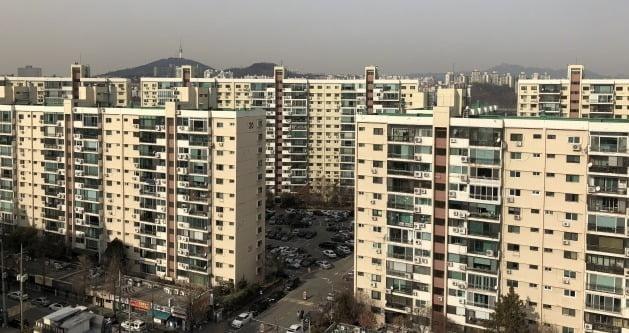 서울 강남구 압구정 현대아파트 전경. /한경DB