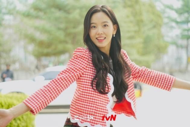 배우 강한나/사진=tvN '간 떨어지는 동거' 스틸