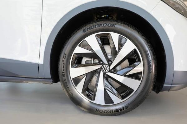 펑크나도 스스로 꿰매…한국타이어, 폭스바겐 ID.4에 신차용 타이어 공급