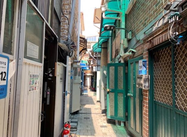 서울 종로구 돈의동 쪽방촌 골목. 장강호 기자