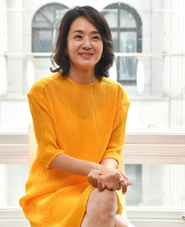 """연극 '분장실' 주역 배종옥 """"배우로 산 시간 뒤돌아봐…코미디 도전하고파"""""""