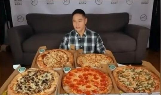 유승준 피자먹방 삭제할 수밖에 없었던 '치명적' 댓글