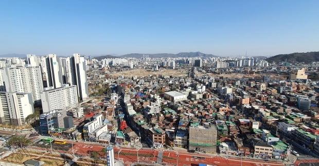 국토부와 서울시가 발표한 공공재개발 시범사업 2차 후보지. 사진은 성북구 장위8구역 일대 모습. /연합뉴스