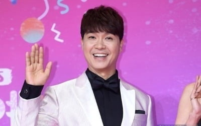 박수홍 '노마스크' 결혼 축하 파티 논란 터졌다