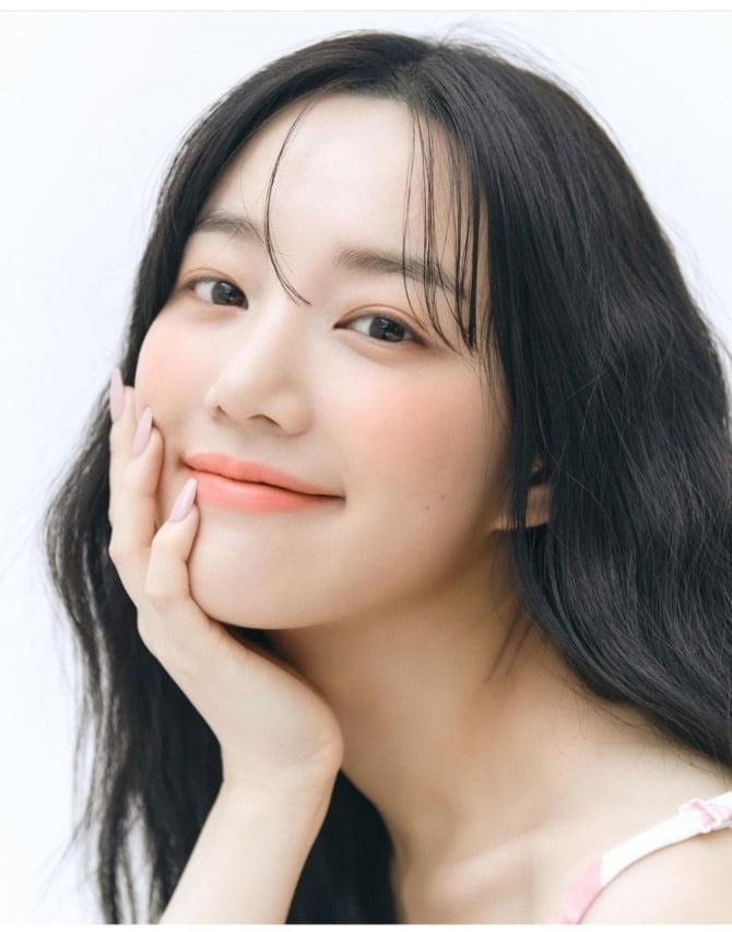 """이유비, SBS '펜트하우스3' 카메오 출연…""""출연 영광, 방송으로 확인 부탁"""""""
