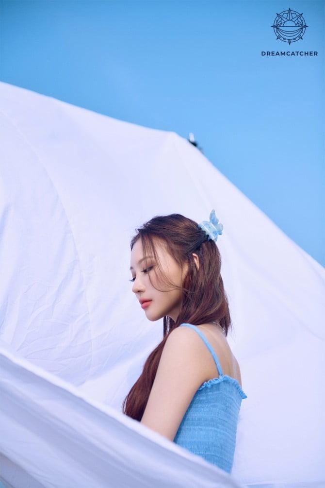 드림캐쳐의 특별한 여름…7인 7색 `Summer Holiday` 콘셉트 포토 공개