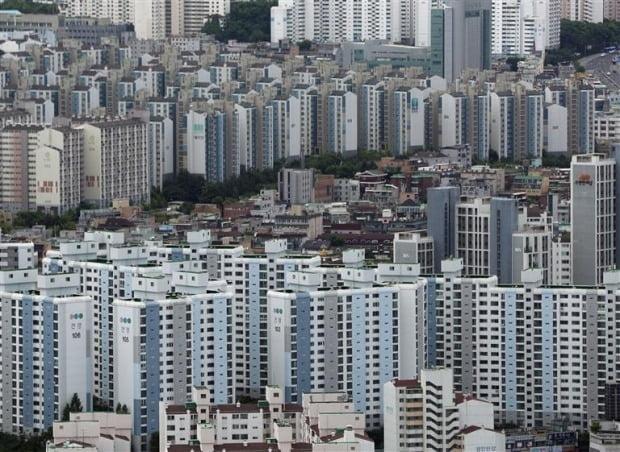 서울 여의도 63전망대에서 바라본 아파트와 빌라촌의 모습. 사진=뉴스1