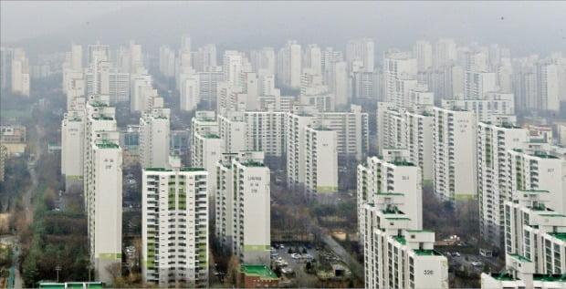 1991년 9월부터 입주를 시작한 경기 성남시 분당구의 분당신도시 아파트 단지들.  /한경DB
