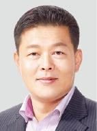 """에어컨 3만대 고친 LG전자 김영진 대명장 """"더위 먹은 에어컨, 딱 보면 압니다"""""""