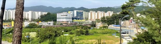 3기 신도시 등 수도권 공공택지 5개 지역의 사전청약이 28일 시작된다. 청약 대상지인 경기 성남 복정1 일대.  이혜인 기자