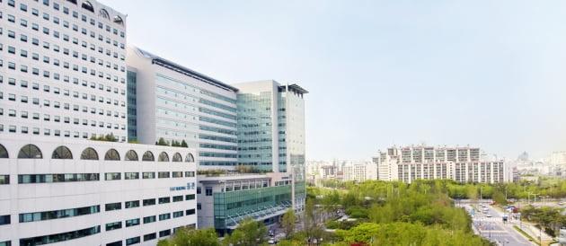 '서울아산병원 컨소시엄'이 지난 5월 인천 청라국제도시에 청라의료복합타운을 구축하기 위해 사업제안서를 제출했다. 사진은 서울아산병원 전경. 출처: 서울아산병원