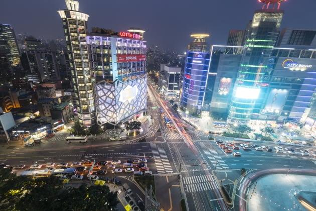 '1km 경쟁력+디지털'…동대문을 바꾼 젊은 창업가들