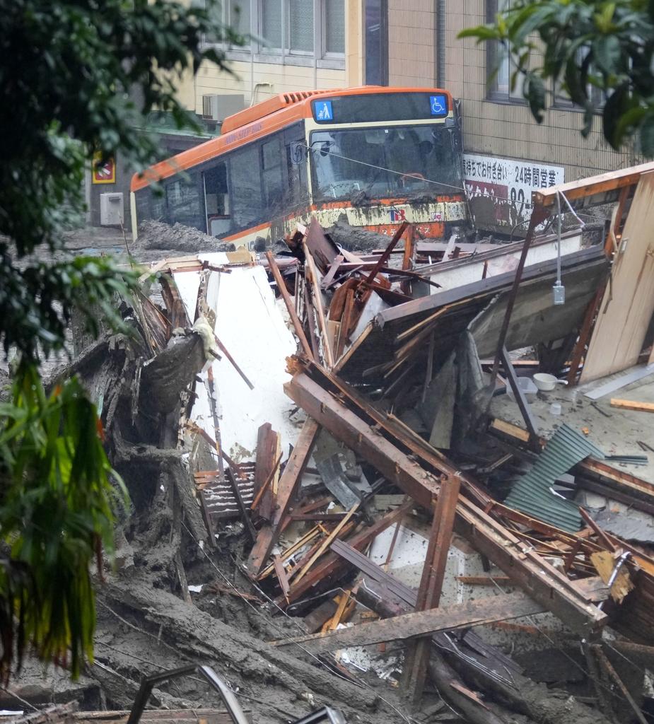 '기록적 폭우' 일본 시즈오카현서 산사태로 20명 실종(종합)