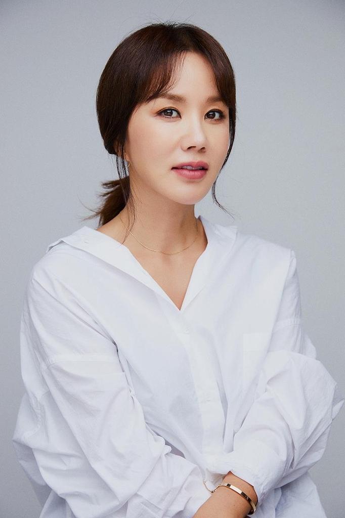 [영화소식] 엄정화, 제천국제음악영화제 '짐페이스' 선정