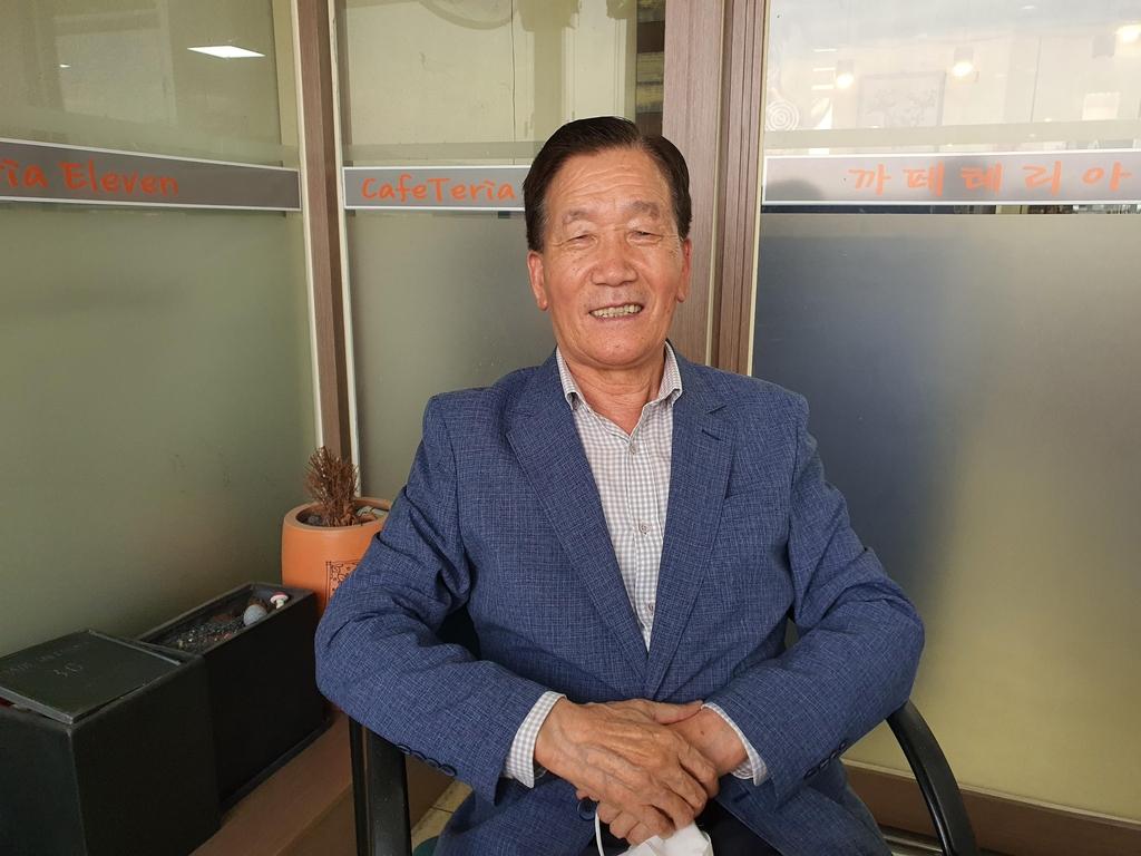 [#나눔동행] '생명 살리는 목소리' 20년째 전화상담 임만재씨