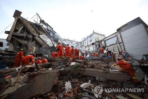 중국 쑤저우 호텔붕괴 사고 희생자 17명으로 늘어