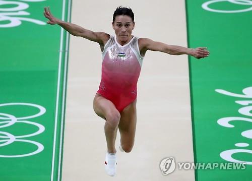 [올림픽] 8회 연속 출전…'마지막 비상' 앞둔 46세 우즈베크 체조선수