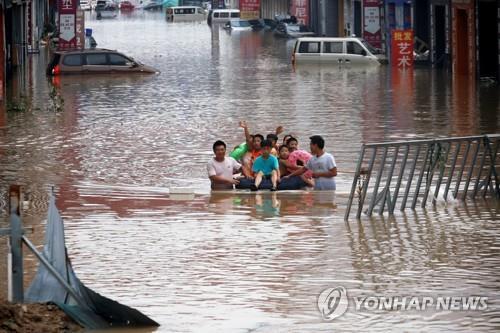 中정저우 홍수 사망자 51명으로 늘어…경제손실 11조6천억원